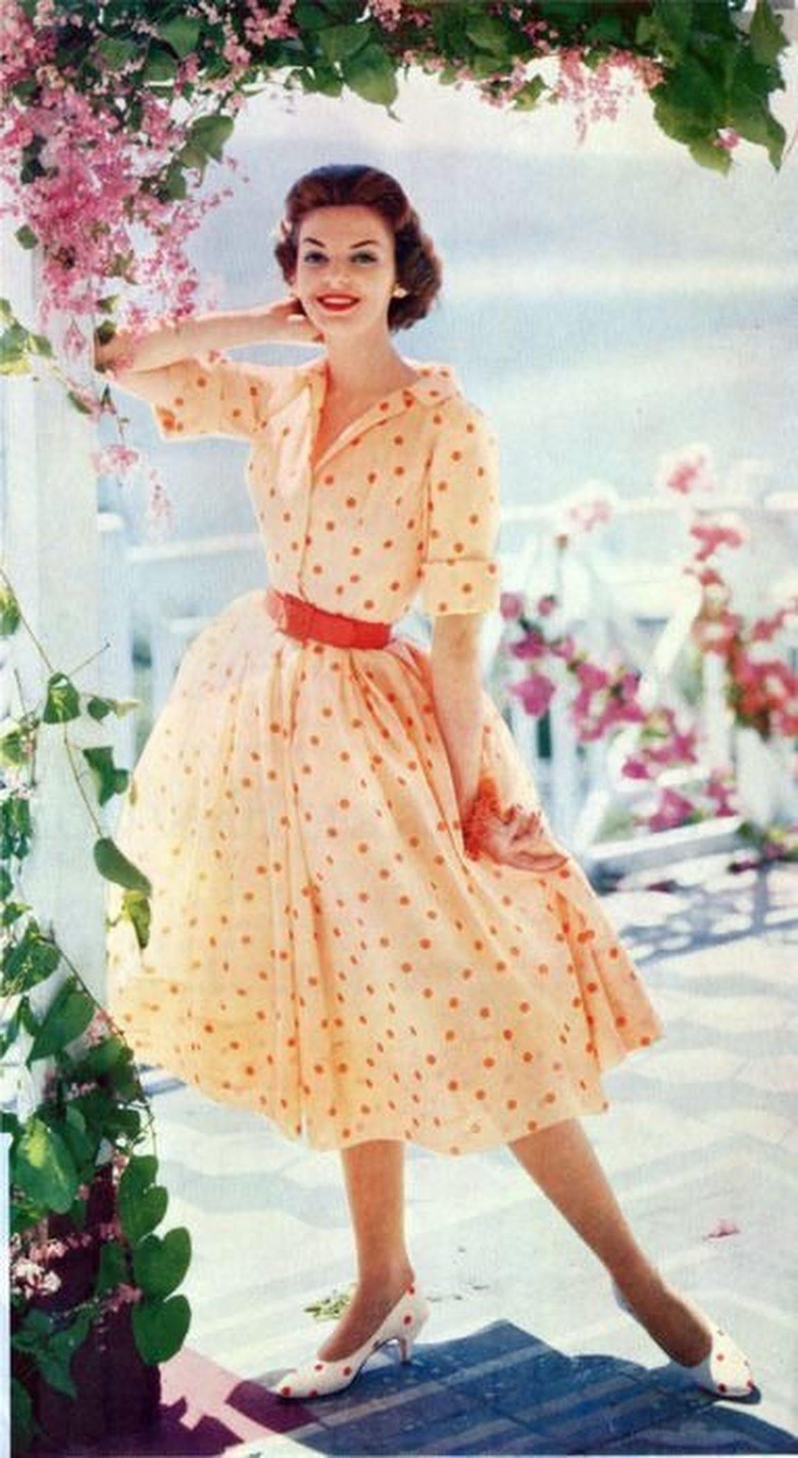 где купить платье 60 годов