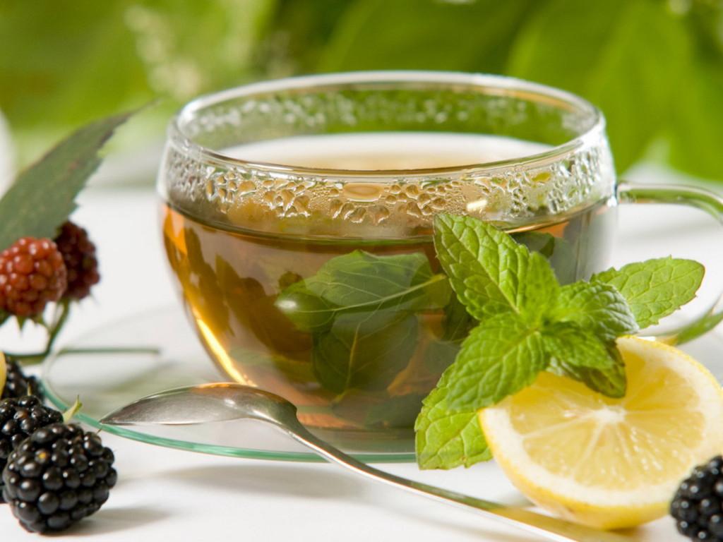 Для приготовления чая с мятой ...: mykaleidoscope.ru/kuxnya/335-chay-s-myatoy.html