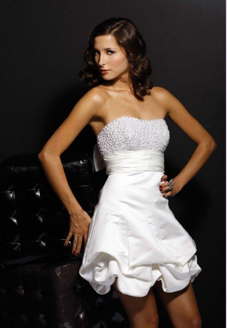 Фото платьев для выпускного на 2011 год.