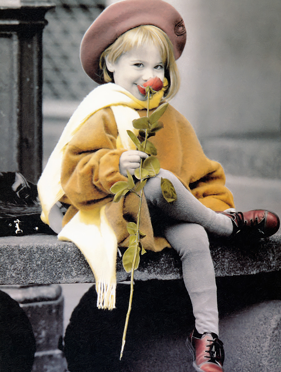 Ребенок с цветами фото старое