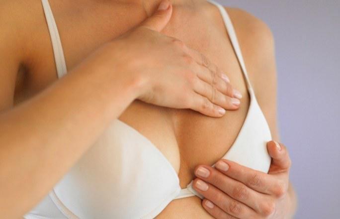 Обязательно ли должна болеть грудь при беременности