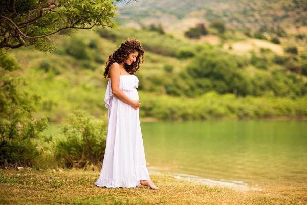 Фотосессия беременной на природе