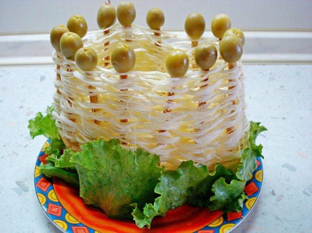 Новогодние салаты в корзиночках фото