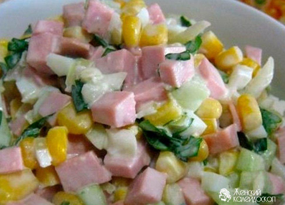 Салат с сухариками и крабовыми палочками с огурцом — photo 10