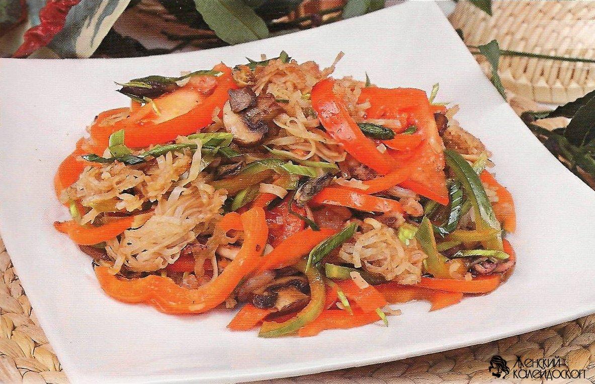 Восточный салат с морепродуктами