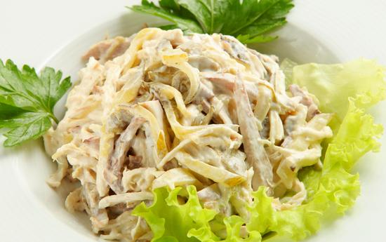 Салат с мясом с грибами с сыром